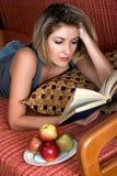 κρατήστε μονοπάτια απεικόνισης ψαλιδίσματος τα υψηλά διαβάζοντας τη διάλυση στοκ εικόνα με δικαίωμα ελεύθερης χρήσης