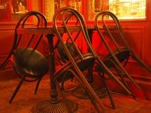 Κρατήστε τις καρέκλες, φραγμοί, εστιατόρια Στοκ εικόνες με δικαίωμα ελεύθερης χρήσης