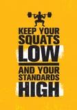 Κρατήστε τις στάσεις οκλαδόν σας χαμηλές και τα πρότυπά σας υψηλά Έννοια στοιχείων σχεδίου γυμναστικής Workout και ικανότητας ανα ελεύθερη απεικόνιση δικαιώματος