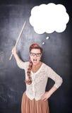 0 κραυγάζοντας δάσκαλος με το δείκτη στο υπόβαθρο πινάκων Στοκ φωτογραφίες με δικαίωμα ελεύθερης χρήσης