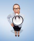 Κραυγάζοντας επιχειρηματίας με megaphone Στοκ Εικόνες