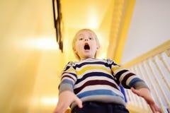 Κραυγάζοντας στον τρόμο το μικρό παιδί στοκ εικόνα με δικαίωμα ελεύθερης χρήσης