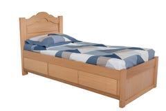 Κρεβάτι που απομονώνεται ξύλινο στο λευκό στοκ εικόνες