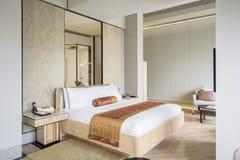 Κρεβατοκάμαρα πολυτέλειας στο ξενοδοχείο Στοκ φωτογραφία με δικαίωμα ελεύθερης χρήσης
