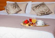 Κρεβατοκάμαρα του ξενοδοχείου Ares Στοκ φωτογραφία με δικαίωμα ελεύθερης χρήσης