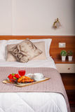 Κρεβατοκάμαρα του ξενοδοχείου Ares Στοκ Εικόνες