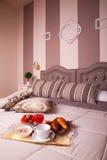 Κρεβατοκάμαρα του ξενοδοχείου Ares Στοκ εικόνες με δικαίωμα ελεύθερης χρήσης