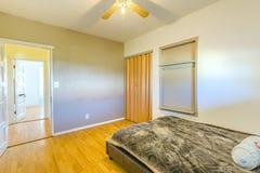 Κρεβατοκάμαρα LIT του σπιτιού Καλιφόρνιας Στοκ εικόνες με δικαίωμα ελεύθερης χρήσης