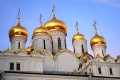 Κρεμλίνο Μόσχα 19$ο annunciation 17 ορόσημο Ουκρανία πόλεων αιώνα καθεδρικών ναών kharkov μπλε ουρανός ανασκόπησης Στοκ Εικόνα