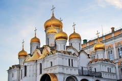 Κρεμλίνο Μόσχα Annunciation εκκλησία μπλε ουρανός ανασκόπησης Στοκ φωτογραφία με δικαίωμα ελεύθερης χρήσης