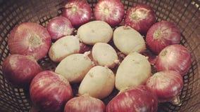 Κρεμμύδι και πατάτες Στοκ Εικόνες