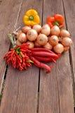Κρεμμύδια με τα πιπέρια Στοκ φωτογραφία με δικαίωμα ελεύθερης χρήσης