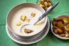 Κρεμώδης σούπα από το ψημένο σκόρδο Στοκ Εικόνα