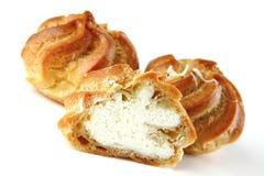 κρεμώδης yummy κέικ στοκ φωτογραφίες
