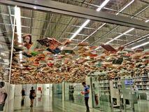 Κρεμώντας βιβλία Στοκ εικόνα με δικαίωμα ελεύθερης χρήσης
