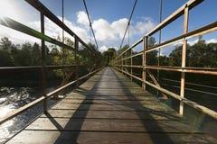 Κρεμώντας γέφυρα για πεζούς Στοκ εικόνες με δικαίωμα ελεύθερης χρήσης