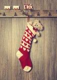 Κρεμώντας γυναικεία κάλτσα Στοκ φωτογραφία με δικαίωμα ελεύθερης χρήσης