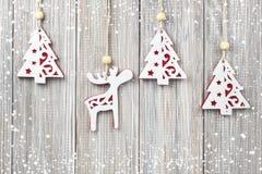 Κρεμώντας διακόσμηση Χριστουγέννων Στοκ φωτογραφίες με δικαίωμα ελεύθερης χρήσης