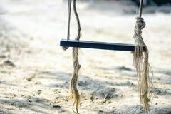 Κρεμώντας κάθισμα, άσπρη παραλία άμμου, koh chang, Ταϊλάνδη Στοκ Φωτογραφίες