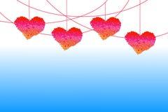 Κρεμώντας καρδιές βαλεντίνων για το θέμα βαλεντίνων Στοκ εικόνα με δικαίωμα ελεύθερης χρήσης