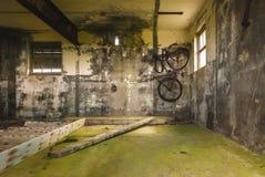 Κρεμώντας ποδήλατο Στοκ Φωτογραφίες