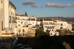 Κρεμώντας σπίτια στη Ronda, Μάλαγα, Ισπανία Στοκ Εικόνες