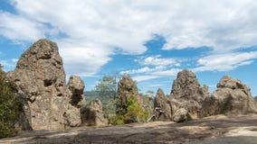 Κρεμώντας το βράχο, τοποθετήστε τις σειρές Macedon Στοκ εικόνες με δικαίωμα ελεύθερης χρήσης
