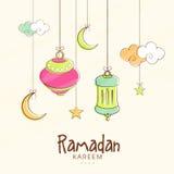 Κρεμώντας φανάρια, φεγγάρια και αστέρια για Ramadan Kareem απεικόνιση αποθεμάτων
