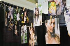 Κρεμώντας φωτογραφίες Στοκ φωτογραφία με δικαίωμα ελεύθερης χρήσης