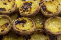 Κρητιδογραφία de nata, χαρακτηριστικές πορτογαλικές ξινές ζύμες αυγών στοκ φωτογραφία με δικαίωμα ελεύθερης χρήσης