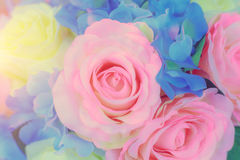Κρητιδογραφία ανθοδεσμών εορτασμού τριαντάφυλλων άνοιξη ρυθμίσεων λουλουδιών στοκ φωτογραφία με δικαίωμα ελεύθερης χρήσης