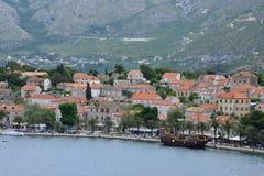 Κροατία, γραφικό χωριό Cavtat σε βαλκανικό Στοκ Εικόνες