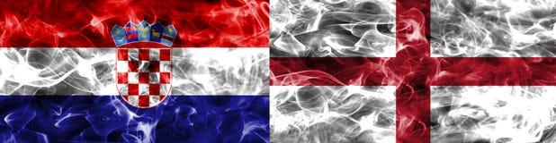Κροατία εναντίον της σημαίας καπνού της Αγγλίας Στοκ φωτογραφία με δικαίωμα ελεύθερης χρήσης