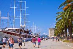 Κροατία, περίπατος θάλασσας Trogir Στοκ φωτογραφία με δικαίωμα ελεύθερης χρήσης