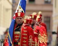 Κροατία/τάγμα φρουράς τιμής/υπερήφανος τυποποιημένος φορέας στοκ φωτογραφίες