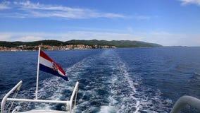 Κροατική σημαία βαρκών απόθεμα βίντεο