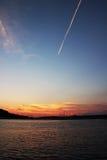 Κροατικό ηλιοβασίλεμα, λέσχη γιοτ κοντά σε Rogoznica στοκ εικόνες