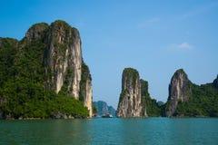 Κρουαζιέρα τουριστών στο μακρύ κόλπο εκταρίου, Βιετνάμ Στοκ Φωτογραφίες