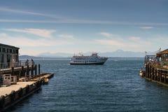 Κρουαζιέρα Saiils τουριστών στον κόλπο του Σιάτλ Στοκ φωτογραφία με δικαίωμα ελεύθερης χρήσης