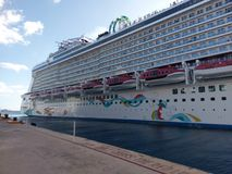 κρουαζιερόπλοιο, επιβατηγό πλοίο, μεταφορά νερού, σκάφος, υπερωκεάνειο, τρόπος μεταφοράς, διαφυγή νησιών κας στοκ εικόνες