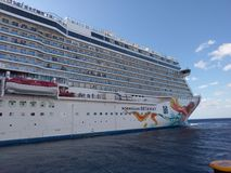 κρουαζιερόπλοιο, επιβατηγό πλοίο, σκάφος, υπερωκεάνειο, μεταφορά νερού, διαφυγή νησιών κας, watercraft στοκ φωτογραφία με δικαίωμα ελεύθερης χρήσης