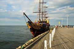 Κρουαζιερόπλοιο θερινών πειρατών Στοκ φωτογραφία με δικαίωμα ελεύθερης χρήσης