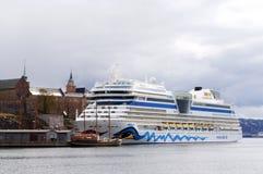 Κρουαζιερόπλοιο που δένεται Νορβηγία στο λιμάνι Όσλο, Στοκ Φωτογραφίες