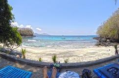 Κρυμμένη μπλε παραλία λιμνοθαλασσών του Μπαλί η Ινδονησία Στοκ Εικόνες