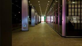 Κρυμμένοι πολύτιμοι λίθοι στο εταιρικό κτήριο Στοκ φωτογραφία με δικαίωμα ελεύθερης χρήσης