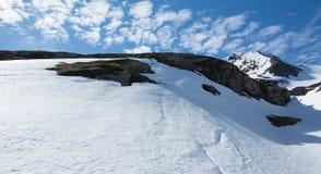 Κρυστάλλινος και βουνό Στοκ φωτογραφίες με δικαίωμα ελεύθερης χρήσης