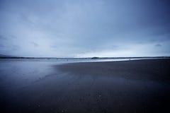 Κρύα παραλία στοκ εικόνα με δικαίωμα ελεύθερης χρήσης
