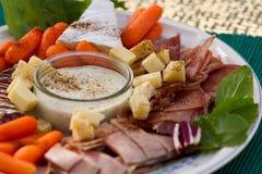 Κρύοι περικοπές και χρόνος πρόχειρων φαγητών τυριών Στοκ εικόνα με δικαίωμα ελεύθερης χρήσης
