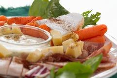 Κρύοι περικοπές και χρόνος πρόχειρων φαγητών τυριών Στοκ Εικόνες