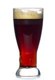 κρύο πλήρες κόκκινο γυαλιού μπύρας αγγλικής μπύρας Στοκ φωτογραφίες με δικαίωμα ελεύθερης χρήσης
